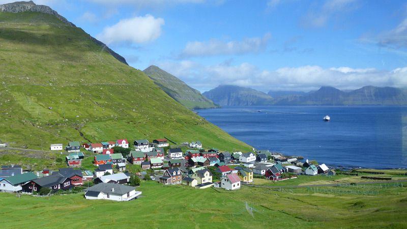 Färöarna - småskaligt möter storslaget