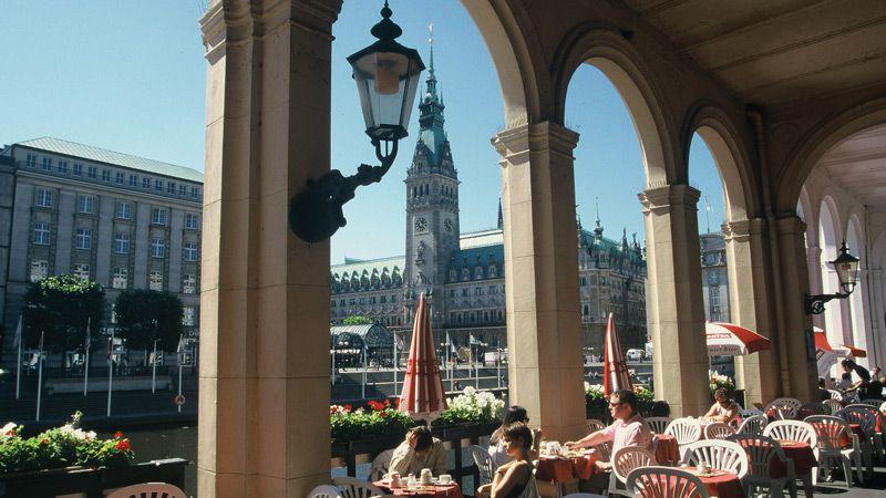 Hamburg med det nya konserthuset Elbphilharmonie