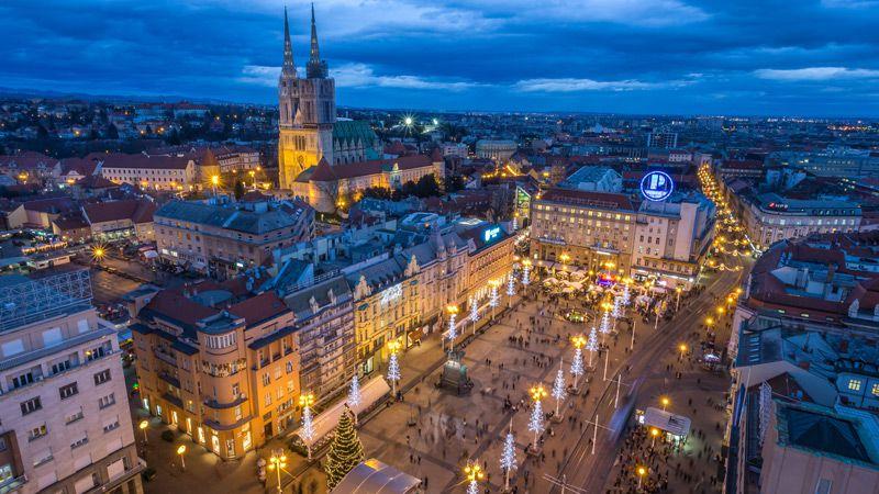 Julkänslan är påtaglig på Ban Jelačićs torg! Foto Zagrebs tourist board