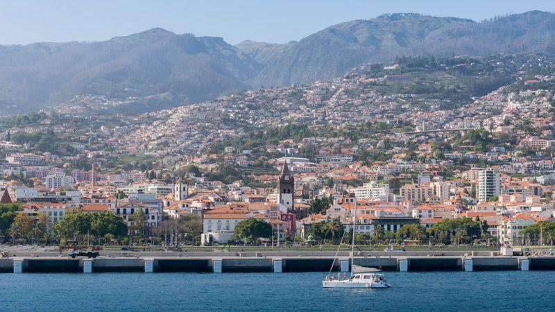 Blomsterön Madeira med Funchal, Levada-vandring & afternoon tea!