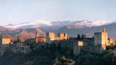 Andalusiens skatter med sagopalatset Alhambra