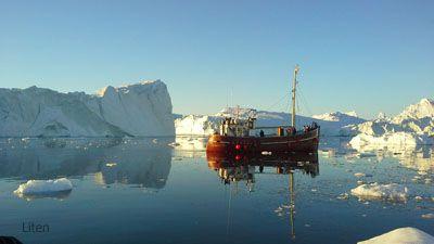Grönland - kalvande glaciärer & midnattssol