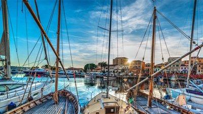 Hamnen i La Maddalena. Foto:Shutterstock