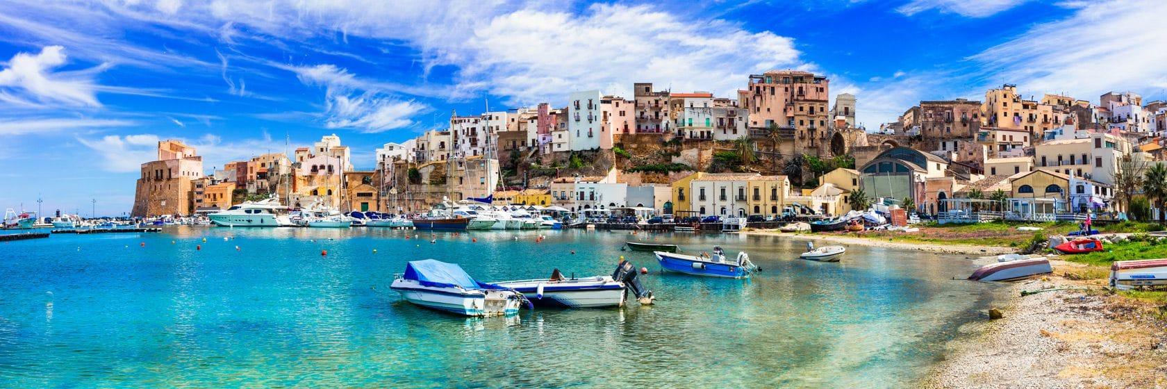 En bild av den vackra kusten i kalabrien under en av resor till kalabrien | Jörns Resor