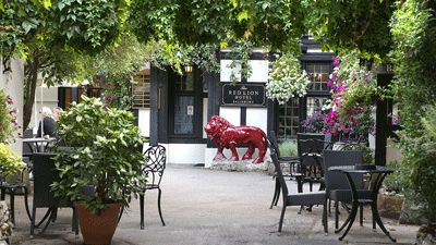 Ingång Hotel The Red Lion