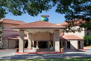 Holiday Inn Express, Cortez